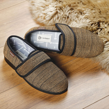 mens slippers.jpg