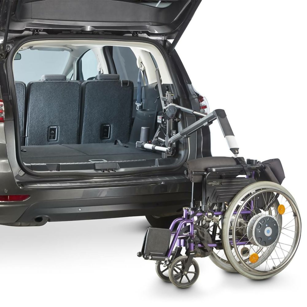 Compact-with-Purple-Wheelchair-Sequence-415-SQUARE_compressed.jpg