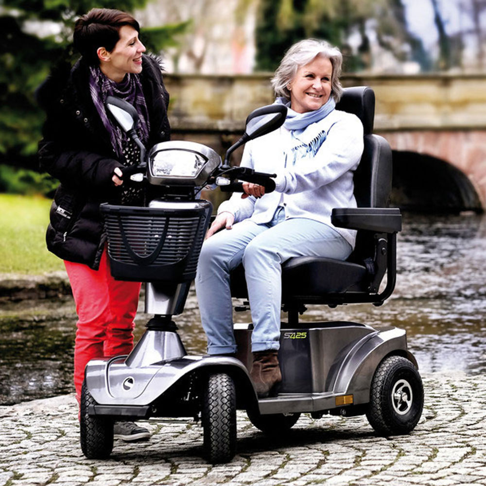 mobility-scooters-sterling-425-lifestyle.jpg