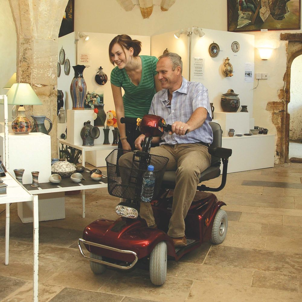 rascal-mobility-scooter-388-lifestyle.jpg