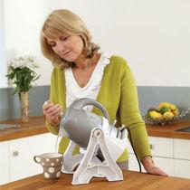 kitchen-Kettle-Tipper-Universal.jpg